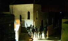 اعتقال 17 فلسطينيا بالضفة واستهداف للمزارعين بغزة