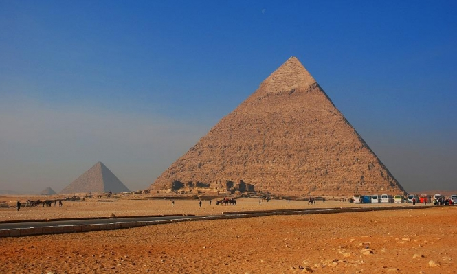 ما سر هوس الفيزيائي تسلا بالأهرامات المصرية؟