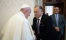 رئيس بلدية الناصرة يلتقي البابا في الفاتيكان