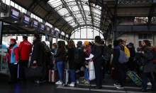 فرنسا: تواصل الاحتجاجات ولا هدنة مع الحكومة عشية عيد الميلاد