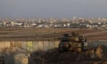 الاحتلال يعتقل فلسطينيا بعد استهدافه قباله غزة