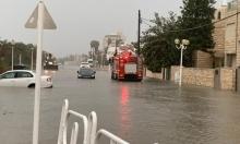 في عين العاصفة: فيضانات وسيول وتخليص عالقين بسيارات