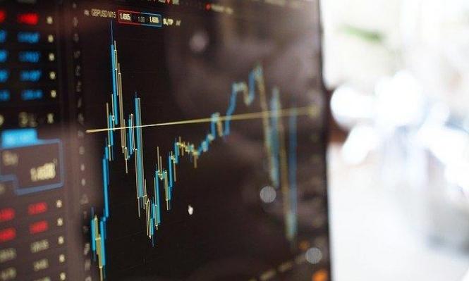 البورصة الخليجيّة ترتفع والمصريّة تنخفض