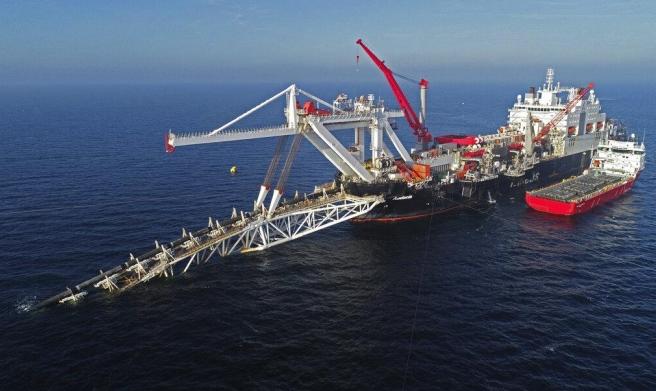 أسعار النفط ترتفع بتأثير الحرب التجارية والغارات الأميركية
