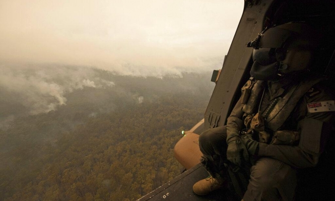 أستراليا: الدخان يعيق إخماد الحرائق واستدعاء جنود الاحتياط