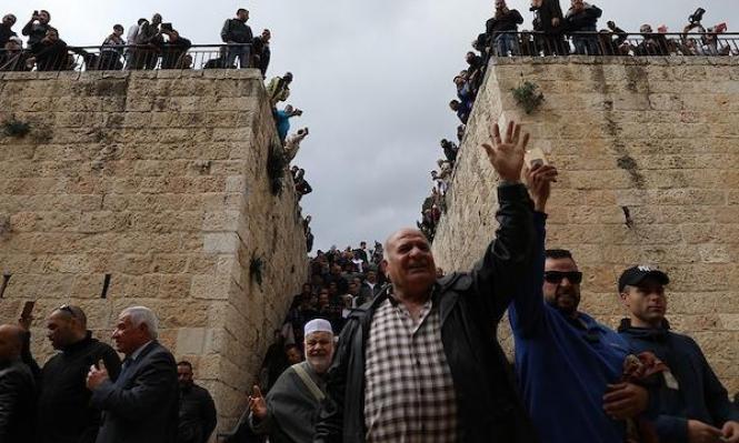 """الاحتلال يخطط لإعادة إغلاق مصلى """"باب الرحمة"""""""