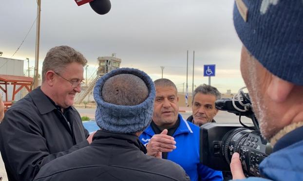 إسرائيل تطلق سراح الأسير صدقي المقت إلى الجولان المحتل