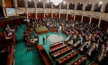 تونس: البرلمان يرفض منح الثقة للحكومة ومفاوضات لتكليف جديد