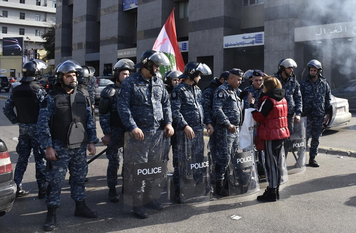 تجدد الحراك اللبناني: إغلاق الطرقات احتجاجا على مراوغة السياسيين
