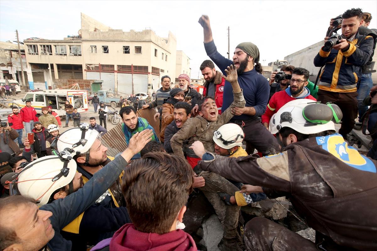 رغم الهدنة: مقتل 18 مدنيًا في قصف جوي للنظام على إدلب