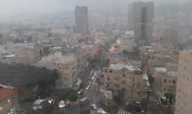 حالة الطقس: انخفاض درجات الحرار وأمطار متفرقة