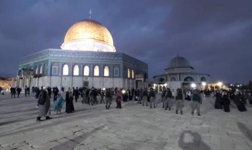 شرطة الاحتلال تقتحم المسجد الأقصى وتعتدي على المصلين بوحشية