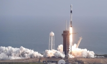 """نجاح تجربة انفصال كبسولة """"سبيس إكس"""" عن صاروخها"""