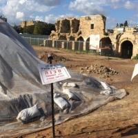 اللد: البلدية تستفز العرب بعمليات حفر في مواقع أثرية