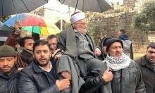 خطيب المسجد الأقصى عكرمة صبري يكسر قرار إبعاده ويدخل المسجد