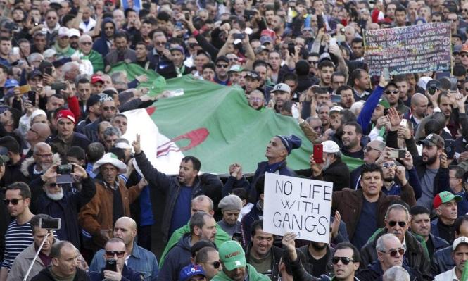 """""""رايتس ووتش"""": السلطات الجزائريّة تلاحق المحتجين رغم وعود الحوار"""