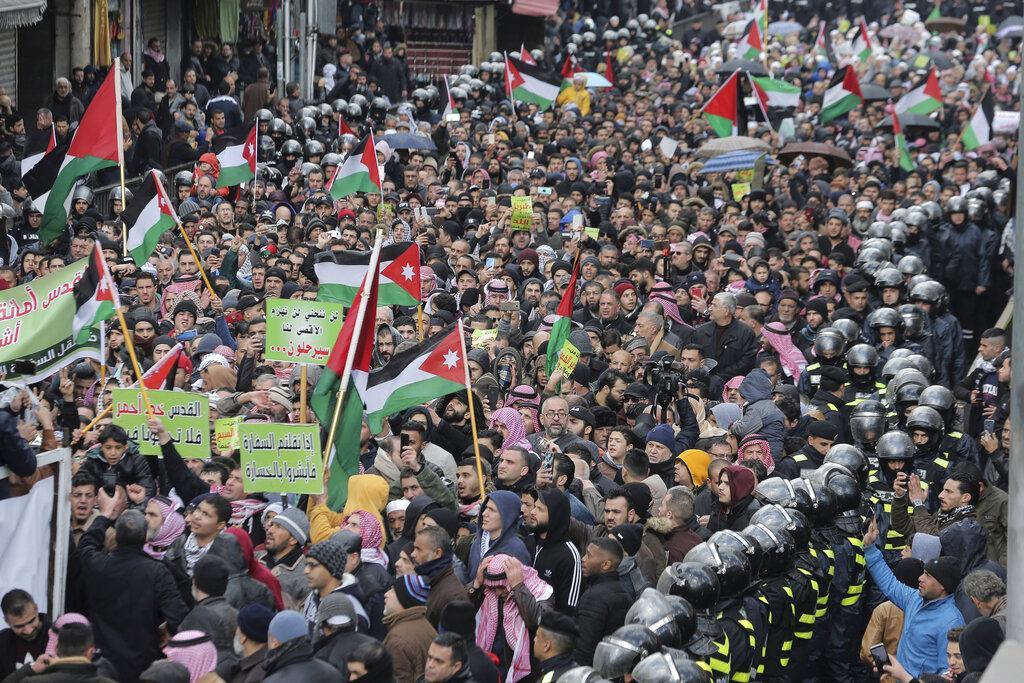 """احتجاجات شعبية ضد """"صفقة القرن"""": """"خطة الإملاءات لن تمر"""""""