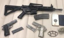 النقب: اعتقال امرأة ونجلها وآخرين بشبهة حيازة السلاح
