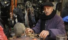 السمكري النابلسي يحافظ على حرفة الأجداد