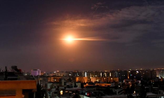 سورية: 7 قتلى من قوات النظام وإيران بالقصف الإسرائيلي