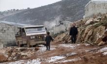 يحرقون ملابسهم: وسائل التدفئة لمهجري إدلب
