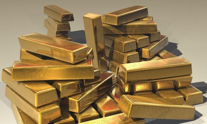 الذهب يتراجع عن ذروة 7 أعوام ومخاوف كورونا تكبح الخسائر