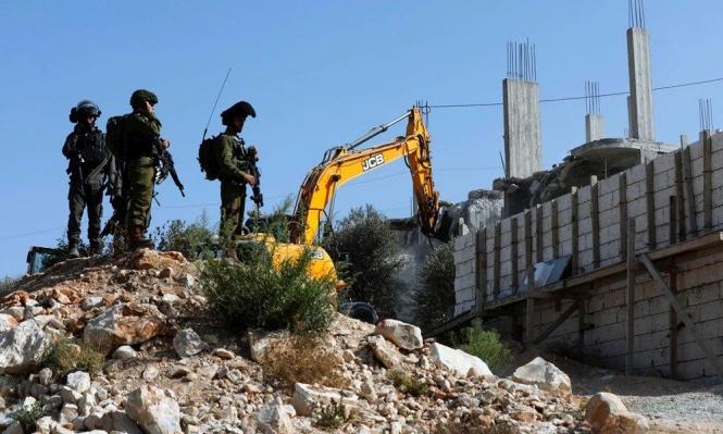 الاحتلال يهدم منزلا ومنشأة صناعية في الولجة