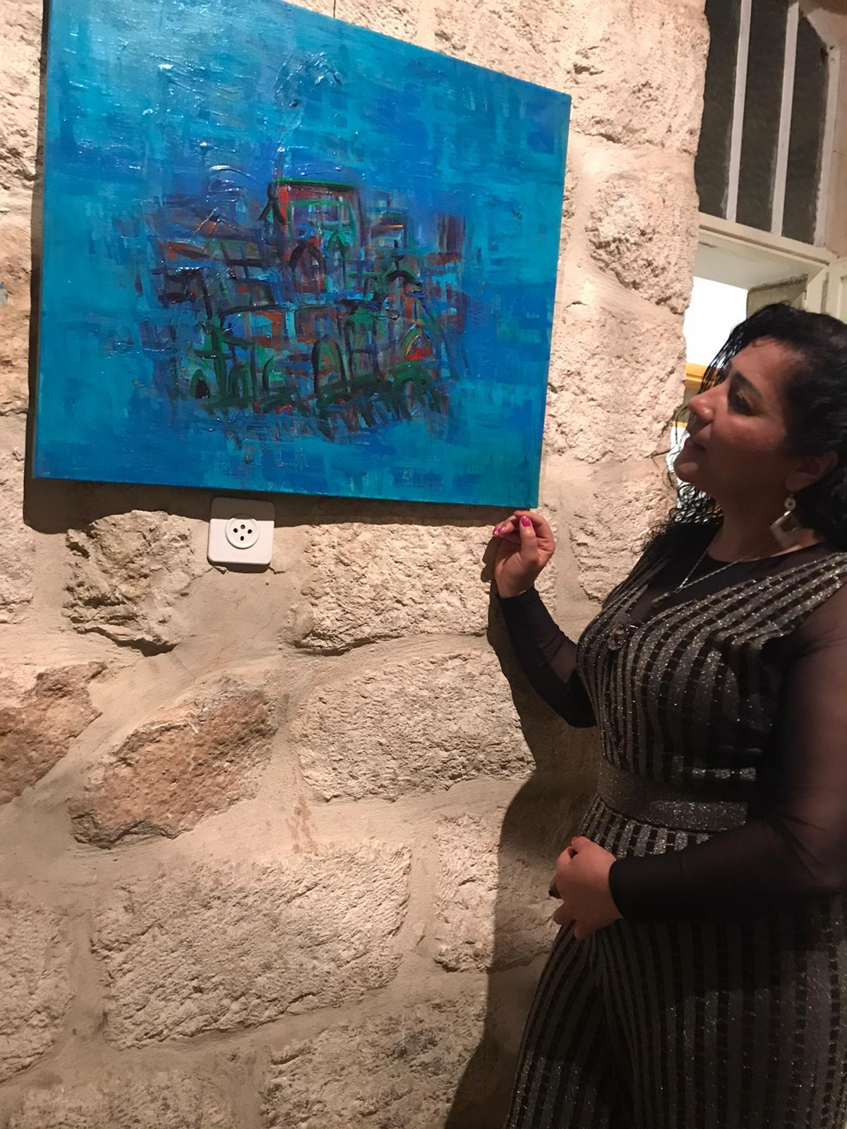 """القدس تحتضن معرض """"أبواب وشبابيك"""" للتشكيلية خزيمة حامد"""