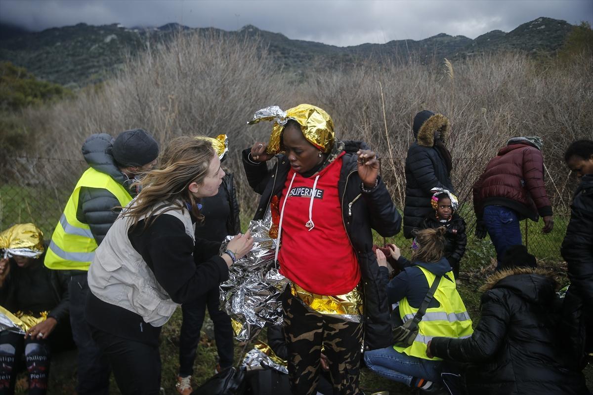 آلاف المهاجرين يتدفقون إلى اليونان عبر الحدود التركية