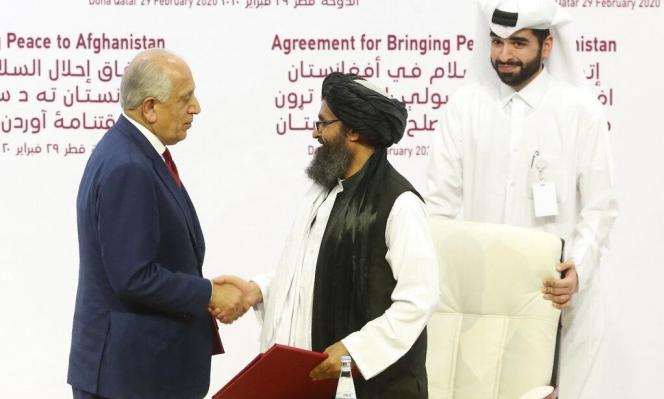 """واشنطن وطالبان توقعان اتفاقا لـ""""إحلال السلام"""" في أفغانستان"""