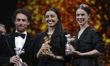 """مخرج إيراني ممنوع من السفر يفوز بجائزة """"الدب الذهبي"""""""
