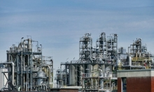 روسيا ترفض خفض إنتاج النفط تحديا للولايات المتحدة