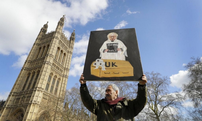مناعة القطيع: بريطانيا تحارب كورونا على طريقتها الخاصة.. ما مدى فعاليتها؟