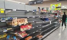 كورونا: ما الذي يدفع الناس للتهافت على المتاجر؟