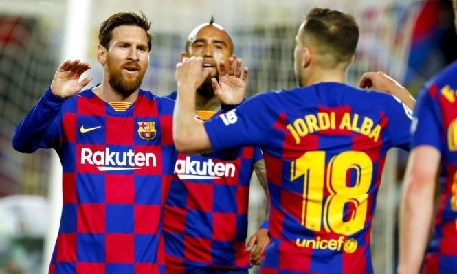 برشلونة يستعد لتوجيه صفعة للاعبيه!