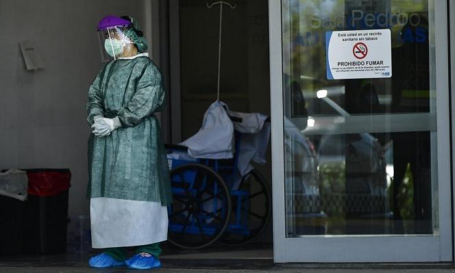 كورونا يحتلّ مستشفى بمدريد وسط محاولات لتخفيف العبء عنه