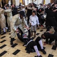 """انتشار كورونا: القدس على شفا """"كارثة يصعب السيطرة عليها"""""""