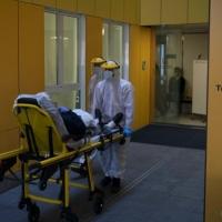 كورونا حول العالم: 30 ألف حالة وفاة وارتفاع بالإصابات بدول عربية