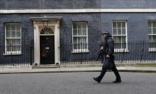 بريطانيا: رجل مصاب بكورونا هدد شرطيا بالسعال فحكم عليه بالسجن