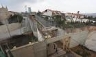 فلسطيني يعيش في