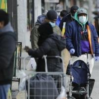 نصف العالم يخضع للعزل: 1169 وفاة بالولايات المتحدة جراء كورونا