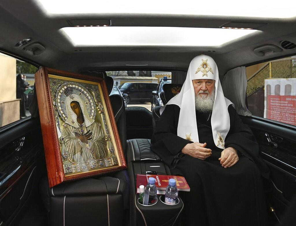 موسكو تقرع أجراس الإيمان (أ ب)