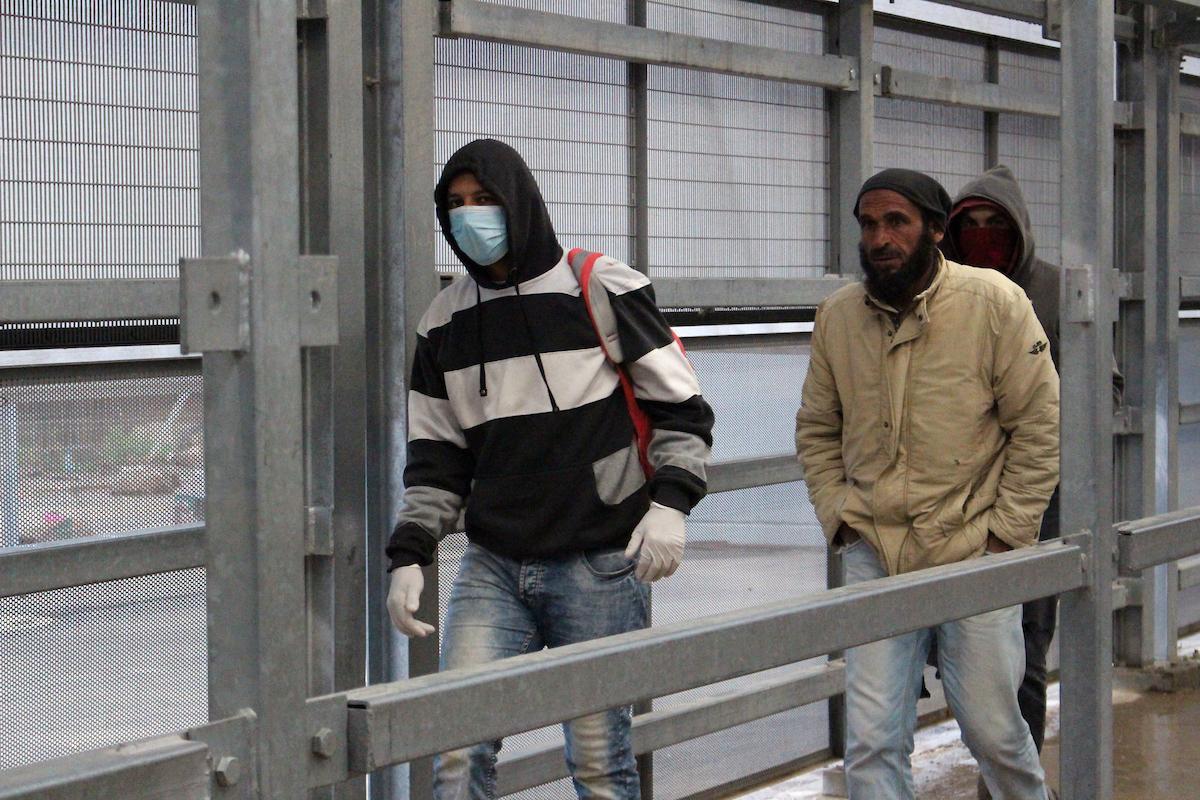 وفاة 18 فلسطينيًا بكورونا في الخارج وارتفاع الإصابات في الضفة وغزة إلى 253