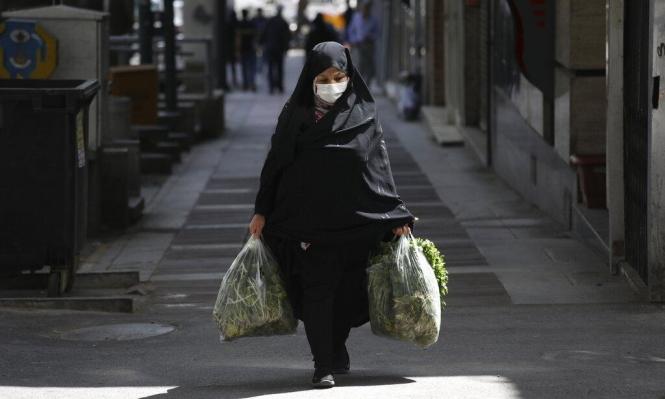 ظريف يطالب واشنطن برفع القيود عن النفط الإيراني لمواجهة كورونا