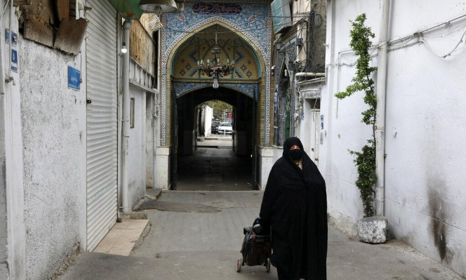 إيران: المحلات التجارية في طهران تعيد فتح أبوابها على حذر
