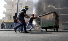 الاحتلال يعتقل شابا بعد إصابته بالرصاص بزعم بمحاولة تنفيذ عملية