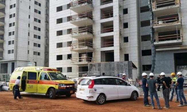 النقب: مصرع عامل سقط من علو في ورشة بناء