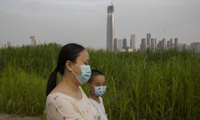 هونغ كونغ: علماء يطوّرون طبقة مضادة للفيروسات تحمي الأسطح 90 يومًا
