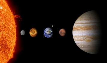 """دراسة: الشمس """"نجم مملّ"""" لكنّ هذا لصالح الكرة الأرضية"""