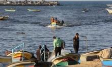 الاحتلال يطلق النار على صيادي غزة ويقطع الطرق على مزارعي الضفة